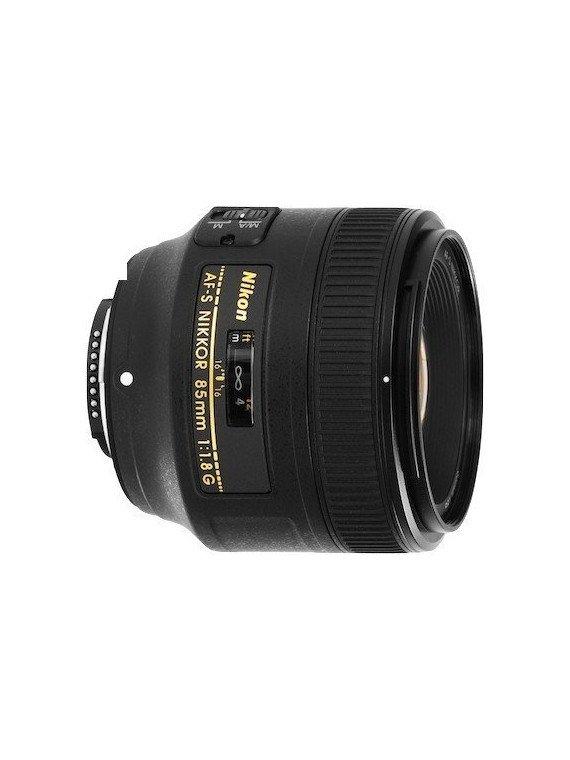 Canon EOS 600D + 18-135